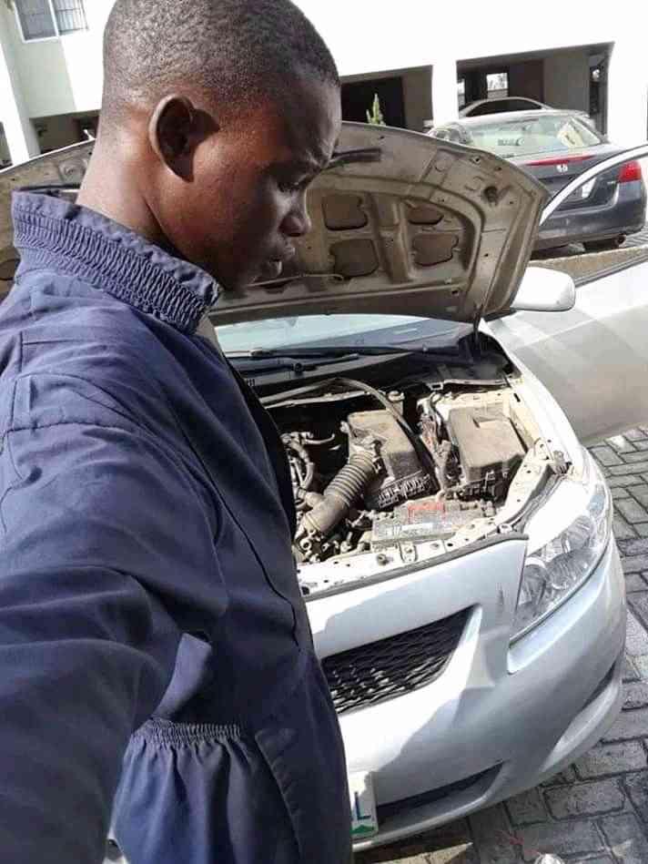 AZ AUTO CARES LIMITED