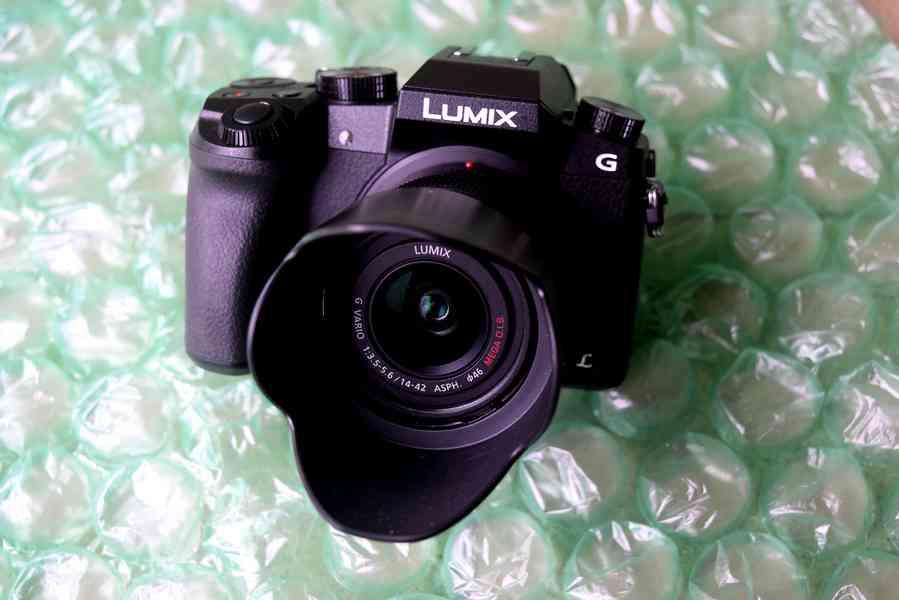 Panasonic Lumix G7 Mirrorless Camera 4k with 14-42mm lens