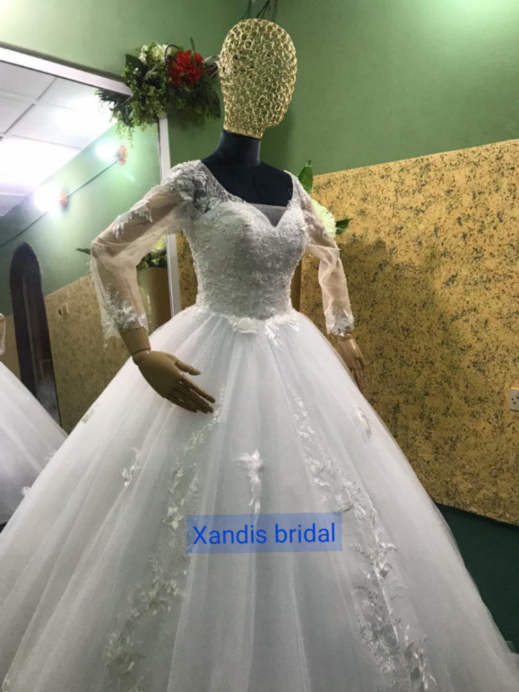 Xandisbridal picture