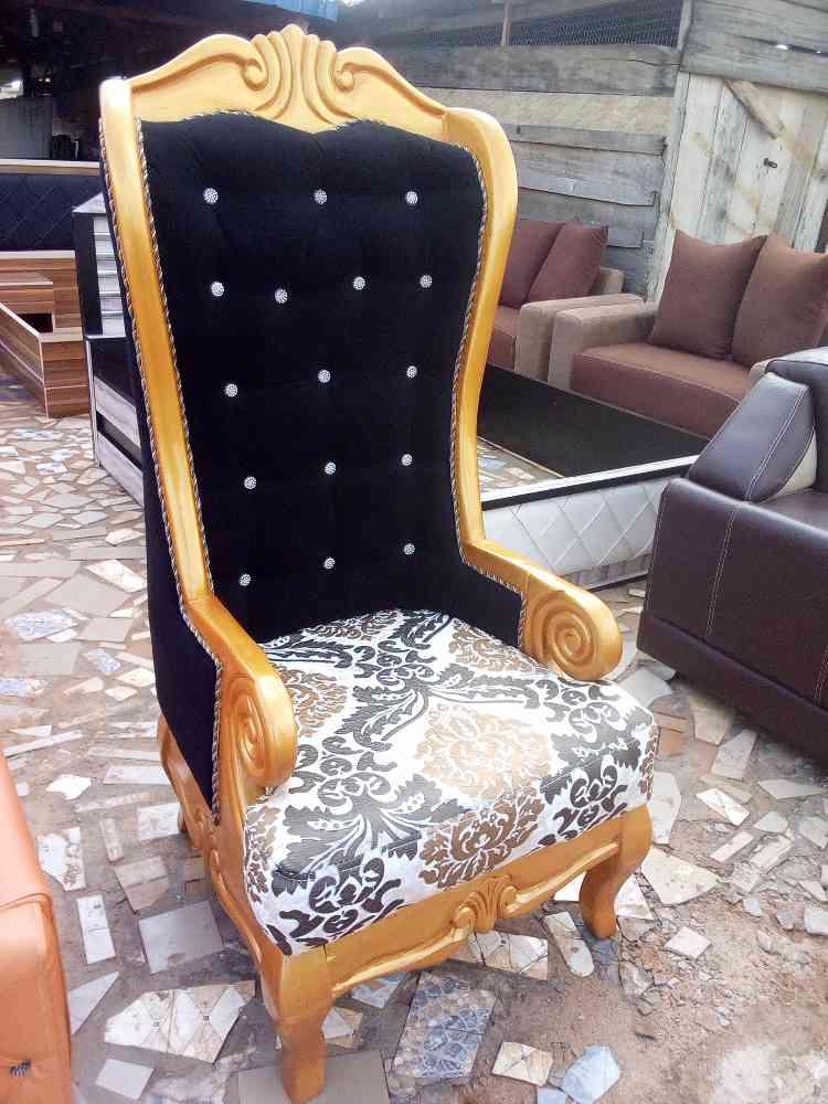Chichris furniture venture