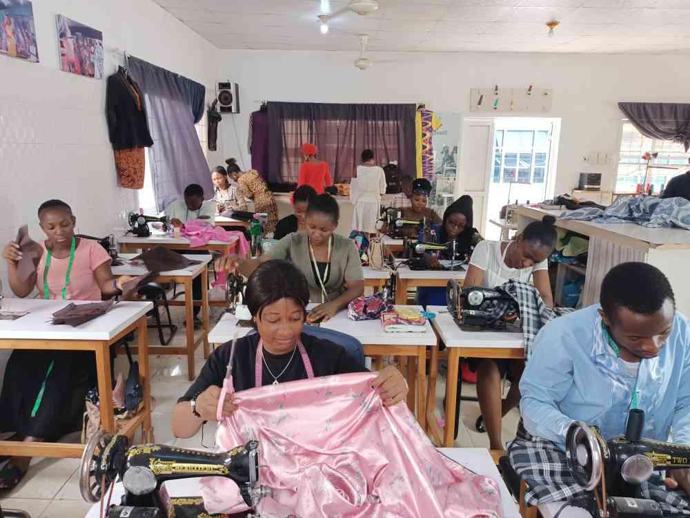 Daimonio fashion school