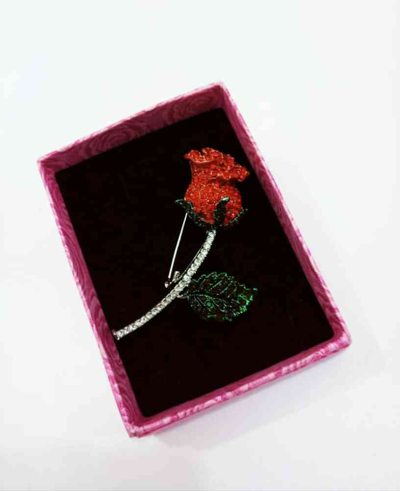 Brooch And cufflinks And Tie