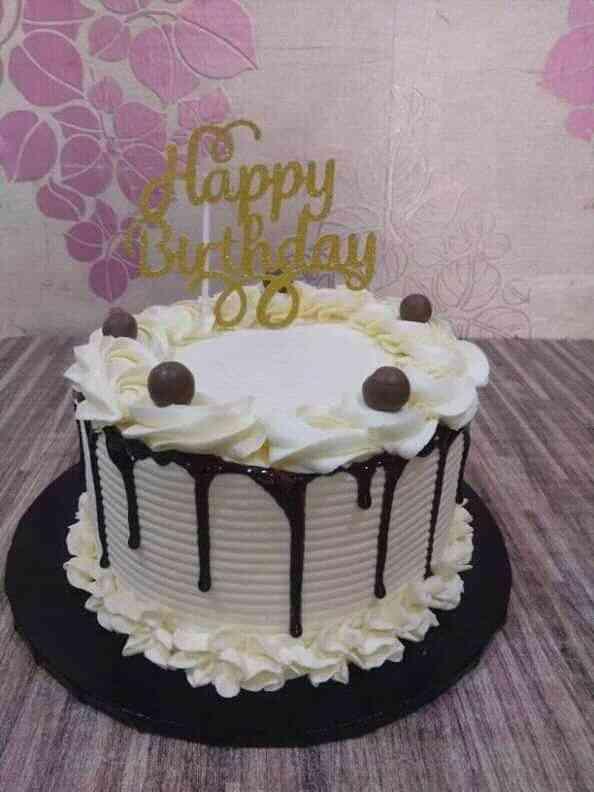 Mide's cakes n snacks