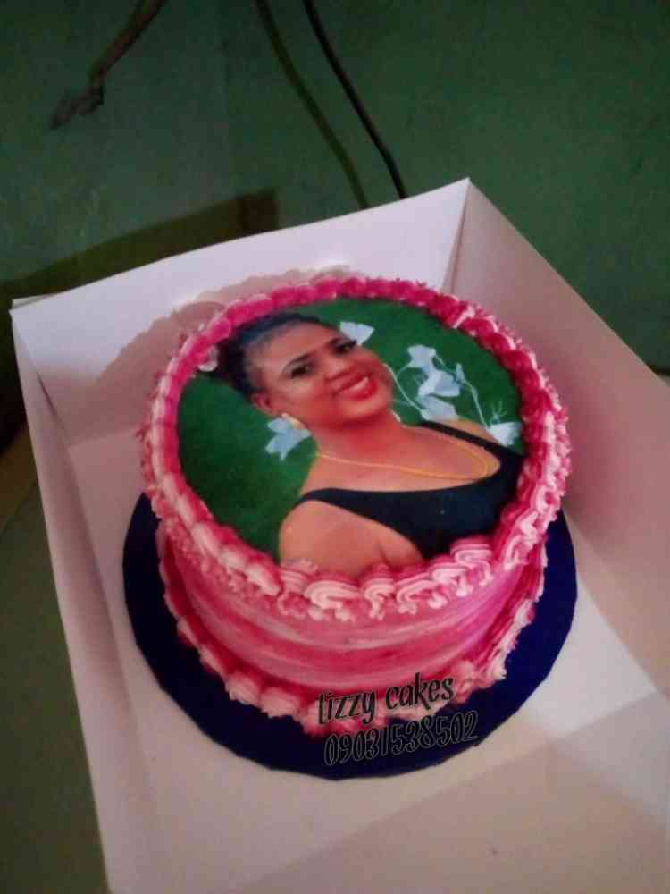 Lizzy cakes n events
