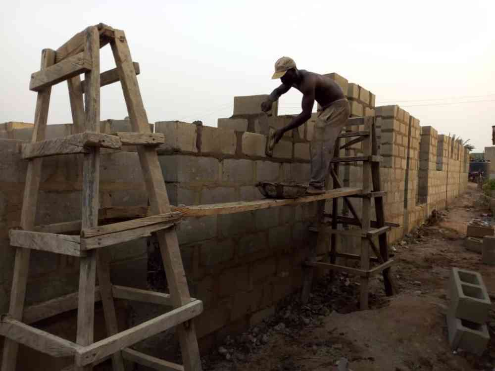 Agunbiade bricklayer picture