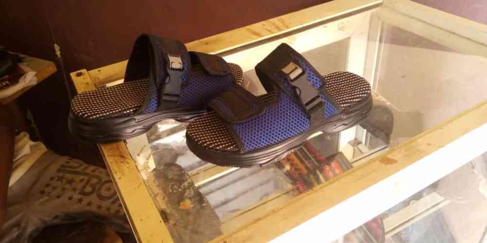 Zakarite unique footwears