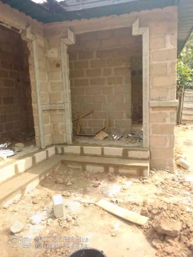 Mwachukwu bricklayer