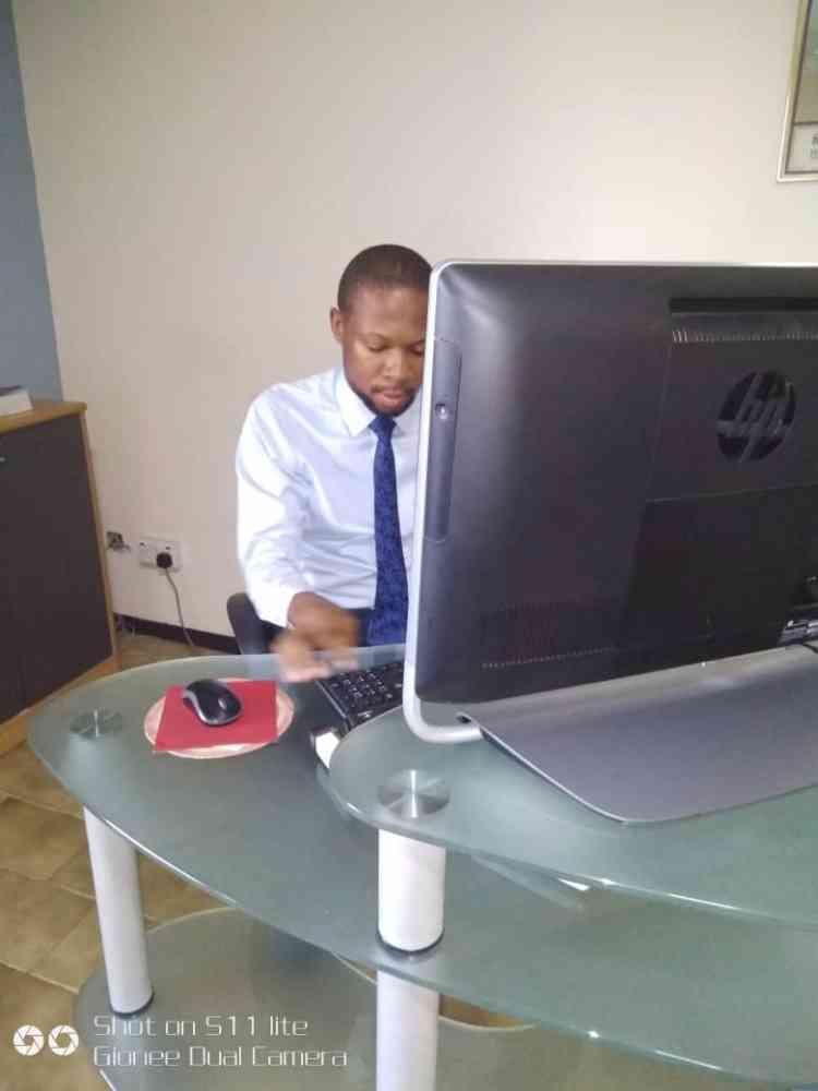 Lawyer igbekele