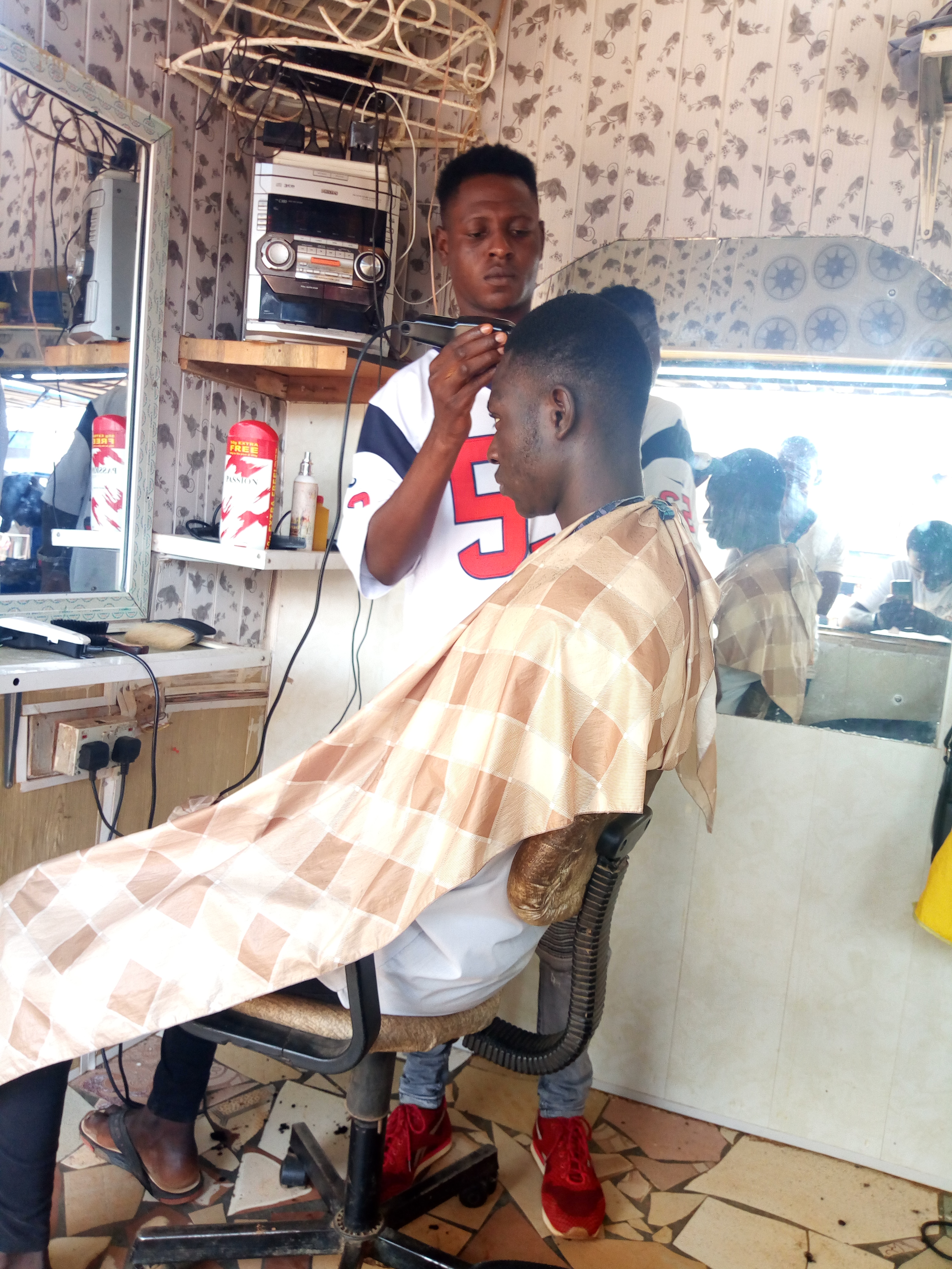 K boy barbing saloon