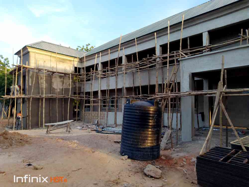 Building contractor, supervisor and general contractor