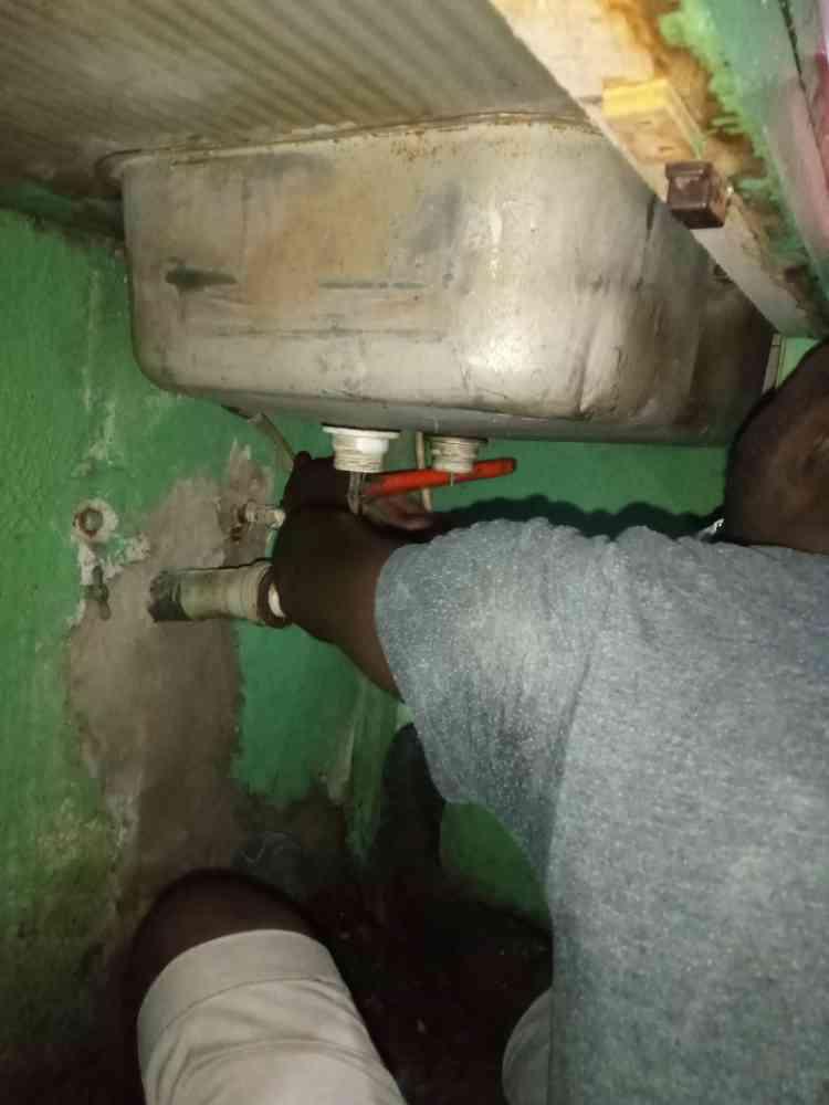 Ajebo plumber